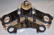 Траверса нижняя верхняя  трицикл  MUSSTANG 150/250-4V